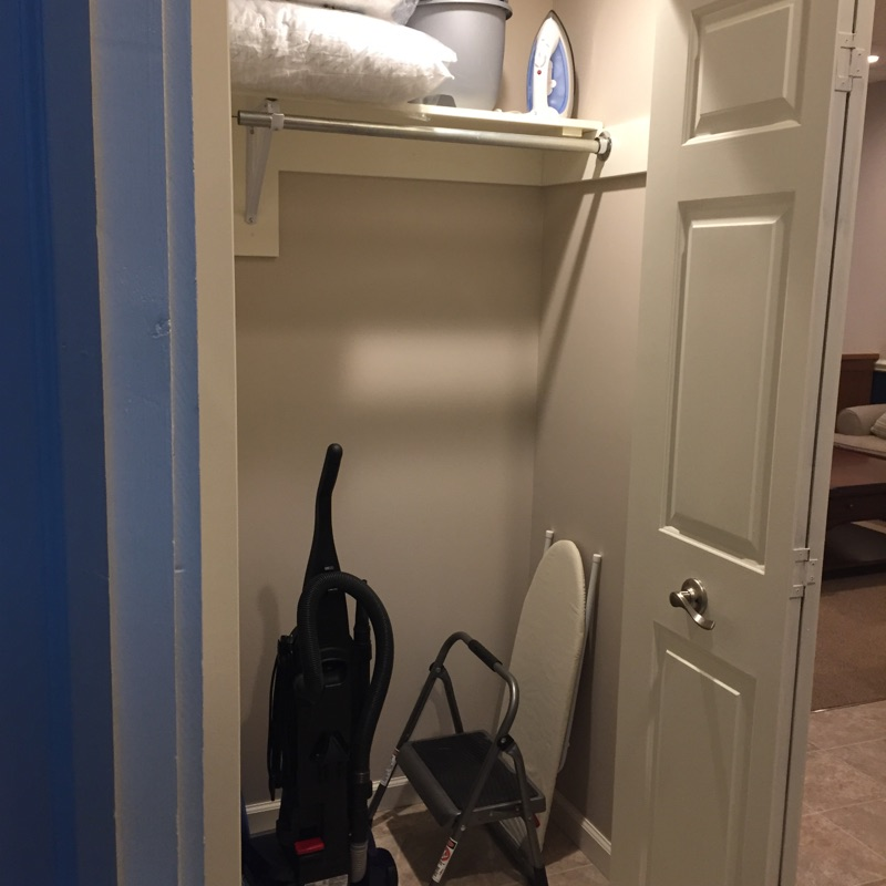 The Garrett Loft - Closet
